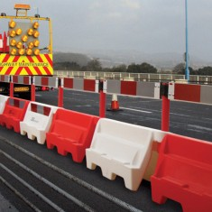 JSP KAV030-000-600 1 Metre Roadbloc Barrier